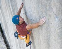 news climbing sharma mouries 3  Крис Шарма-назад към бъдещето…